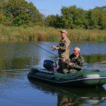 Когда можно рыбачить с лодки и можно ли рыбачить с лодки на кольцо?